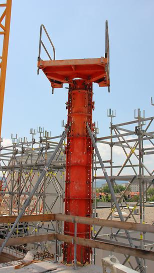 Durch die SRS Rundsäulen Schalungen können Säulen rasch und sicher errichtet werden.