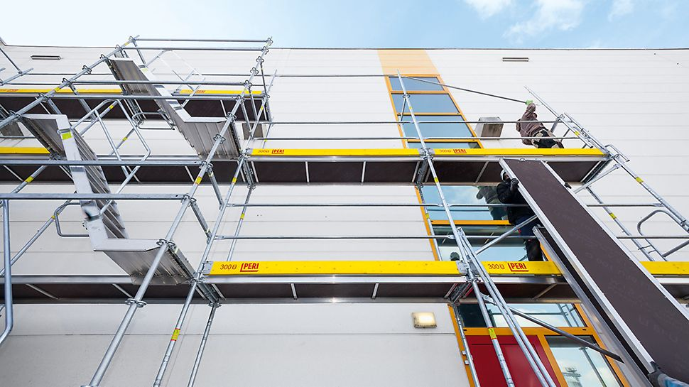 Due to the integrated scaffold node on the Easy Frame, PERI UP Easy can be combined with PERI UP Flex modular system.