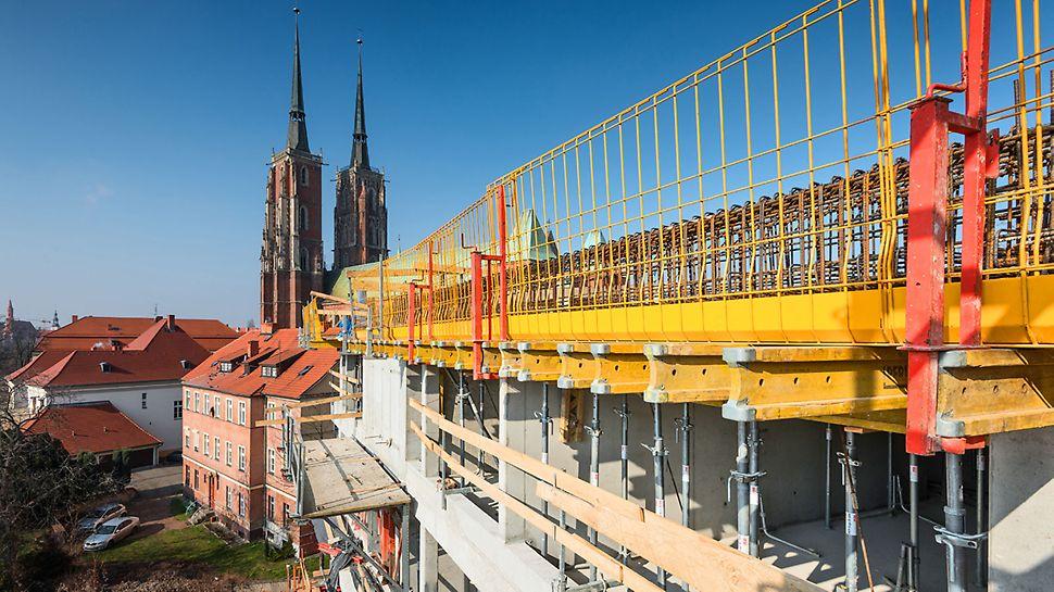 Bezpieczna każda krawędź na budowie, dzięki prostemu w montażu systemowi PERI PROKIT
