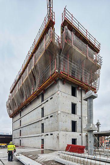 Dankzij RCS-Lite, het klimbekistingssysteem van PERI in combinatie met VARIO, kan de vaste kern van het gebouw snel voort klimmen en kan de aannemer snel volgen met het monteren van de prefab-elementen.