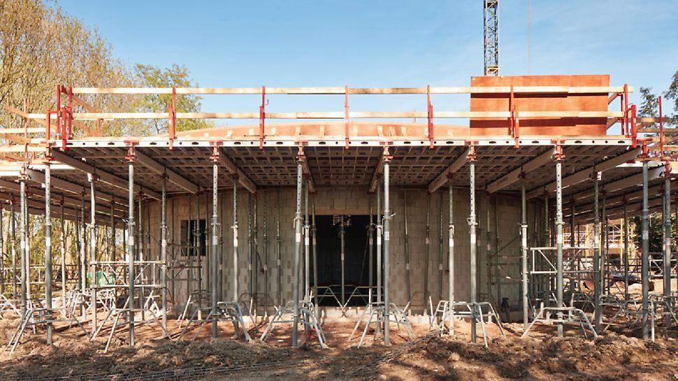 Het geringe gewicht van de SKYDECK panelen, de handige afmetingen en de praktische constructie van de onderdelen zorgen voor moeiteloos en ergonomisch werken.
