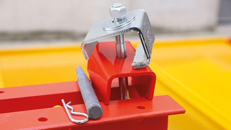 Zacisk do mocowania siatek na szynach wspinania montuje się łatwo i szybko.