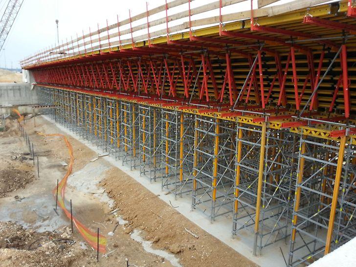גשר מעל כביש 581  - מערכת תבניות ואריו