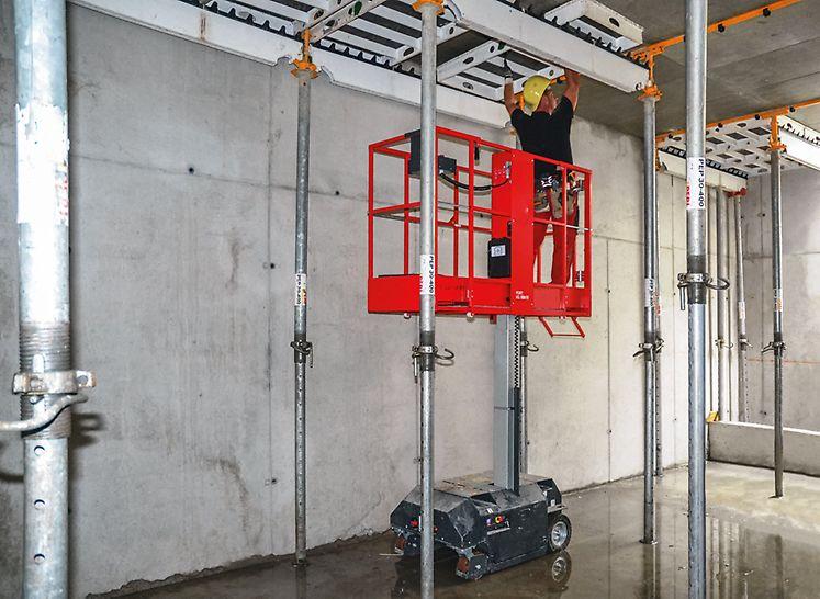 El equipo es muy compacto y se puede utilizar tanto en espacios estrechos como al aire libre, para alturas de trabajo hasta 5,0 m