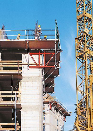FB 180 -uloketasoa voidaan käyttää rakennuksen ulkokulmissa sekä vasemmalla että oikealla puolella. Tämä vähentää kaluston määrää työmaalla, sekä yksinkertaistaa logistiikkaa.