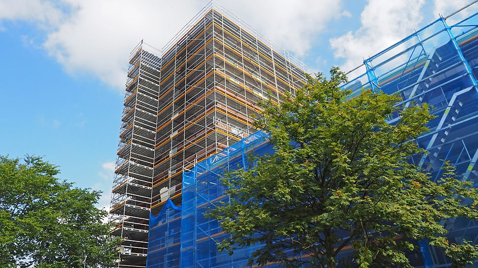 Säkerhet - både vid montage/demontage av PERI UP Flex fasadställning.