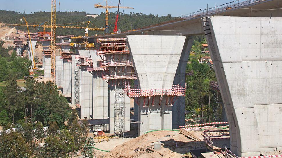 Ponte sobre o Rio Uima - Vista geral da obra de Sul para Norte