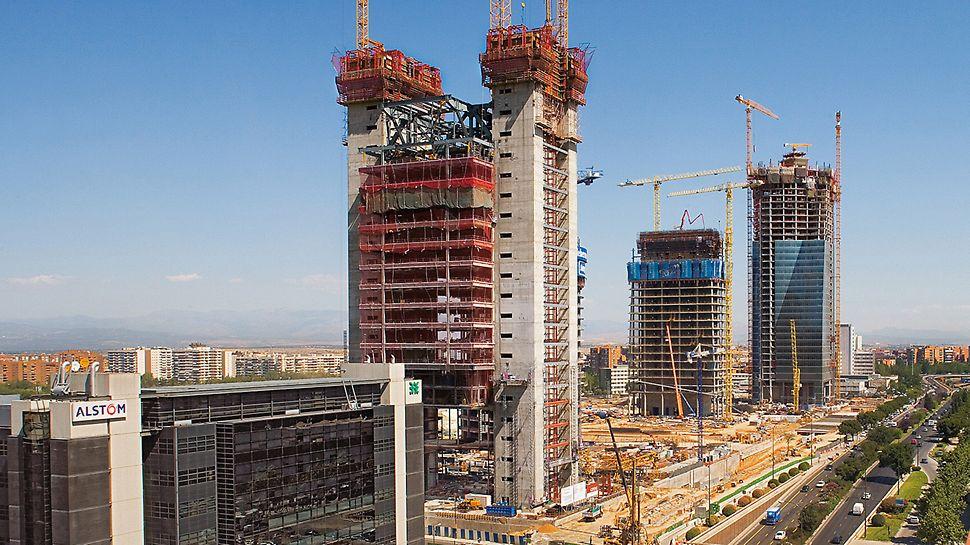 Cuatro Torres Business Area, Madrid, Spanien - Für die höchst unterschiedlichen Anforderungen bot PERI mit der Selbstkletterschalung ACS die jeweils wirtschaftlichste Lösung.