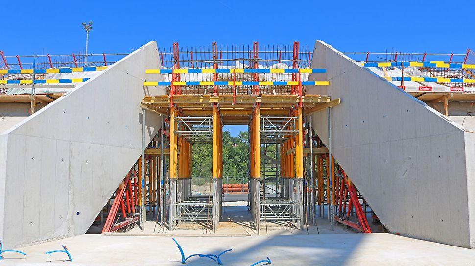 Vue intérieure du portail d'entrée