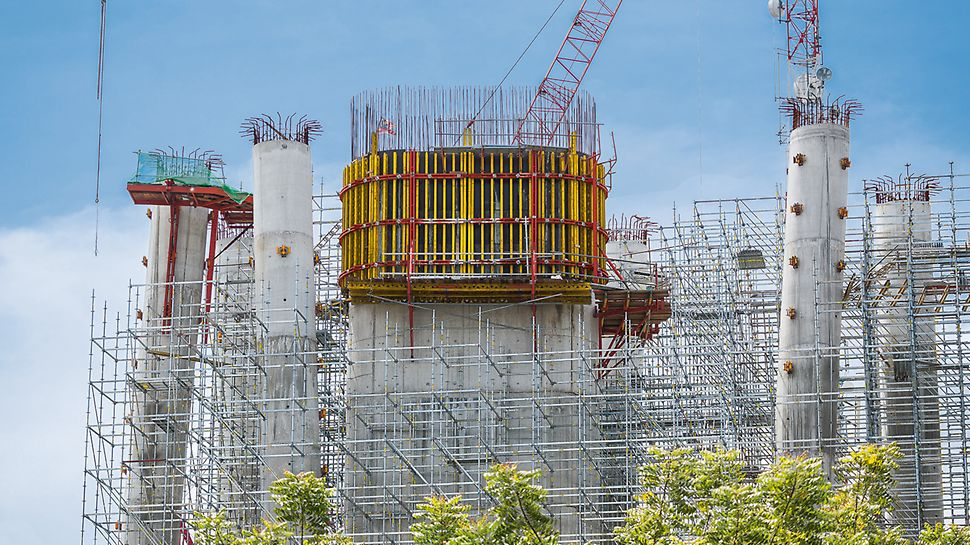 Working scaffold, bracing and shoring all rolled into one: PERI UP subsequently followed as birdcage scaffold within the cycle of the RCS Climbing Formwork.