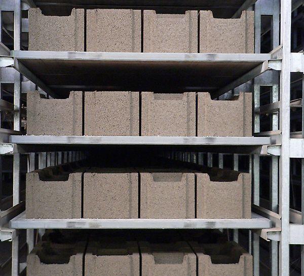 Σταθερή και επαναλαμβανόμενη ποιότητα στην παραγωγή τσιμεντοπροϊόντων χάρη στην υψηλή ακαμψία του.