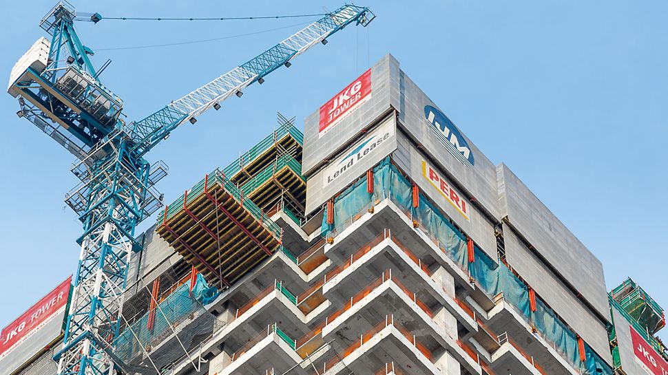 JKG Tower, Jalan Raja Laut, Kuala Lumpur - The RCS landing platform is integrated in the climbing formwork solution. Loads are temporarily stored on the landing platform as well as being moved from here into the other storeys.