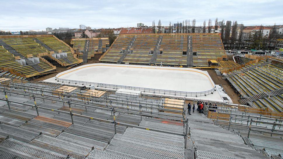 Winter Classic Lužánky, Brno: Sportovní aréna s tribunami na stání ze systému PERI UP Rosett.