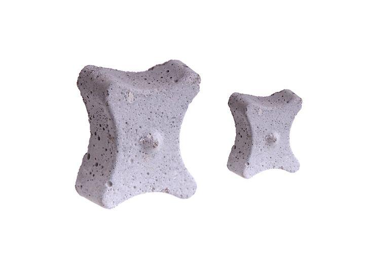 """Podkładka betonowa """"Kość"""" bez drutu"""