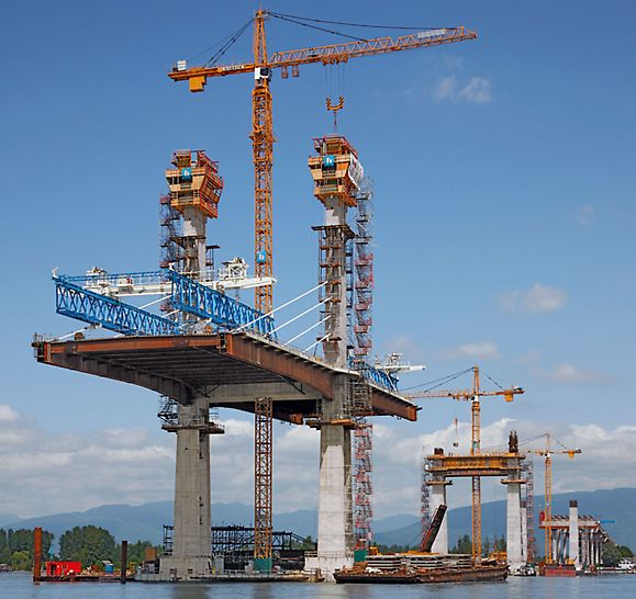 Golden Ears Bridge, Vancouver, Canada - At intervals of 242 m, the four pylons steadily reached their planned heights of 86 m with help of PERI ACS self-climbing technology.