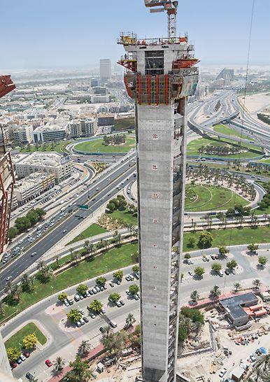 Dubai Frame, Vereinigte Arabische Emirate: Die Klettereinheiten aus Wandschalung und Bühne wurden mit dem integrierten Hydrauliksystem von Stockwerk zu Stockwerk umgesetzt.