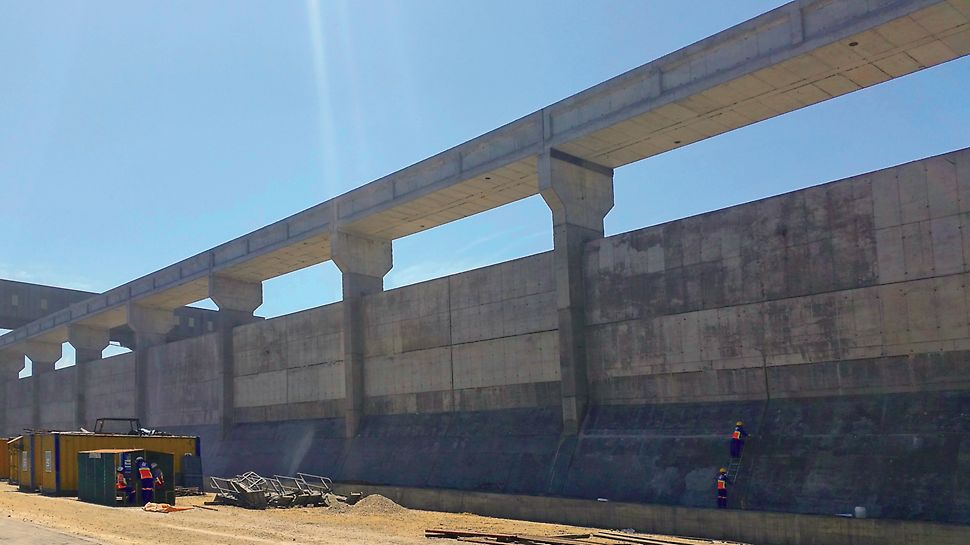 Transnet Port Terminals, Richards Bay - efficient PERI formwork solutions for port terminal storage areas