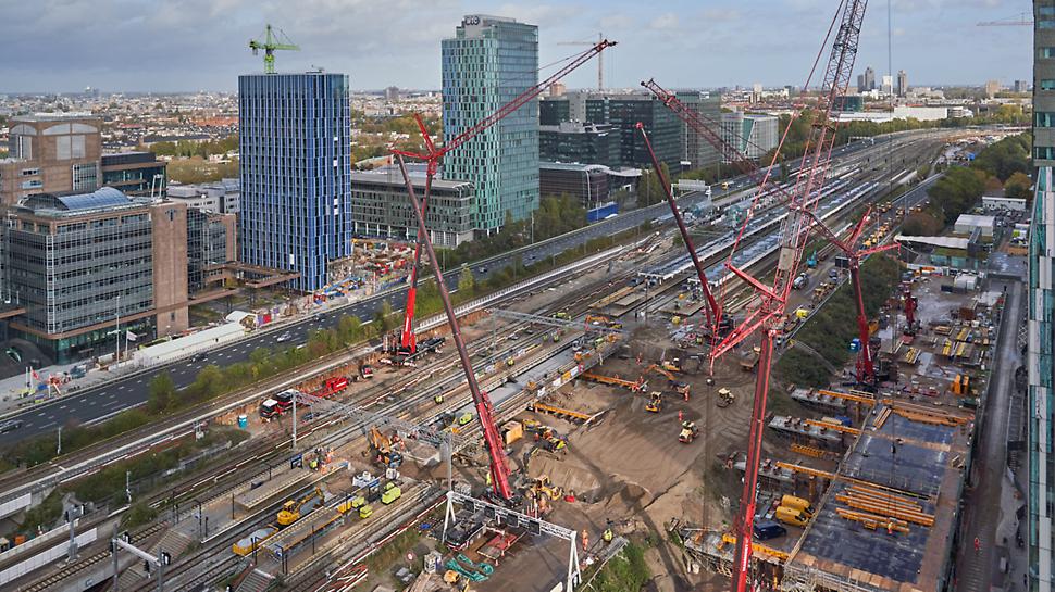 Project Zuidasdok: één van de grotere Nederlandse infraprojecten, waarbij de bereikbaarheid van Zuidas en de noordelijke randstad wordt verbeterd, zowel over de weg als met het openbaar vervoer.