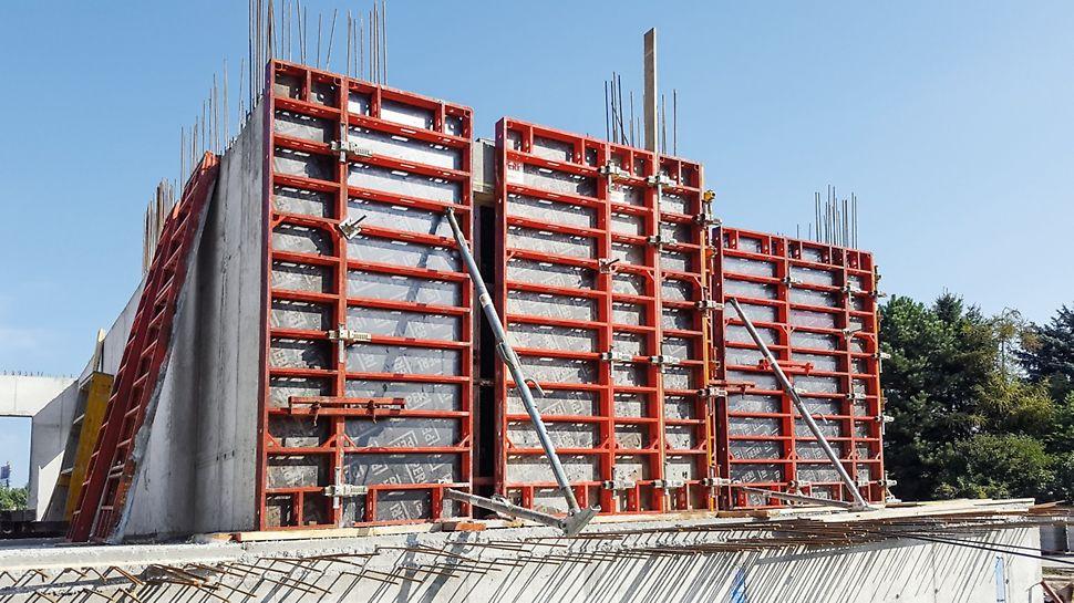 Nový Ružinov, Bratislava - Pomocou systémov TRIO a DOMINO prebiehala súbežne výstavba zvislých konštrukcií dvoch 6-podlažných bytových domov v 1. aj v 2. etape
