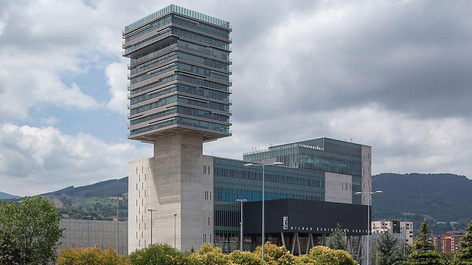 """Messezentrum Bilbao, Spanien - Das """"Bilbao Exhibition Centre"""" mit seinem 103 m hohen Turm ist das höchste Gebäude der Region Vizcaya."""