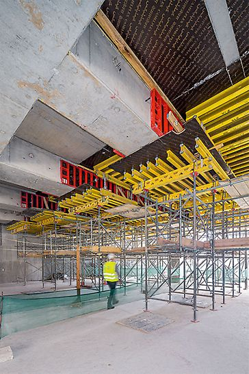 The shoring can be quickly adapted to suit different slab heights and is also very suitable for moving under large beams.