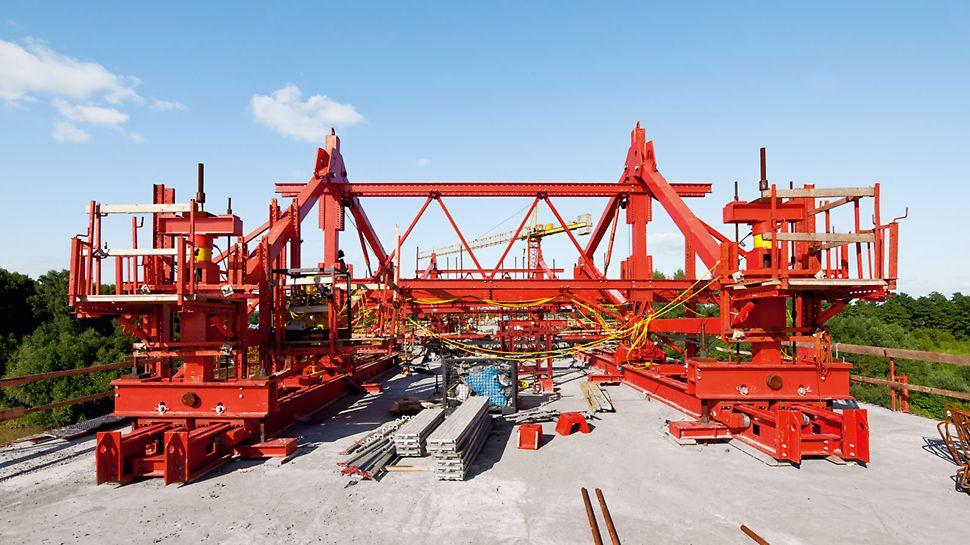 Pod peste Dunajec, Tarnow, Polonia - Echipamentul de construcție VARIOKIT garantează maxim de adaptabilitate pentru o gamă variată de secțiuni transversale ale podurilor.