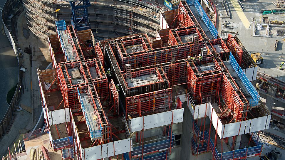 TRIO is a versatile and combatible system. PERI is able to use this system with a number of other PERI formwork, falsework and scaffolding systems