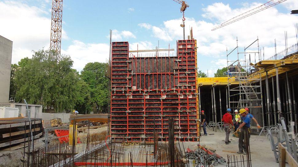 DOMINO elementi visine 3,00 m iz PERI proširenog programa za izvedbu zidova nadzemnih etaža.