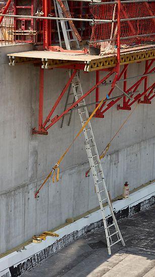 Le système grimpant CB veille à la sécurité des conditions de travail pour toutes les hauteurs de coffrage de voiles.