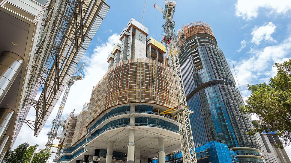 International Towers Sydney ITS, Barangaroo South, Sydney: Teleskopické mříže LPS byly přizpůsobeny půdorysu budovy a nabízely celoplošnou ochranu. Výklopné zakrytí v dolní části šplhavé ochranné stěny se postaralo o bezpečnost práce v níže položených místech.