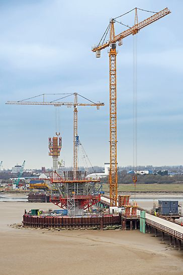Mersey Gateway Bridge, Runcorn to Widnes, Great Britain: Horizontally-positioned SB Brace Frame Units