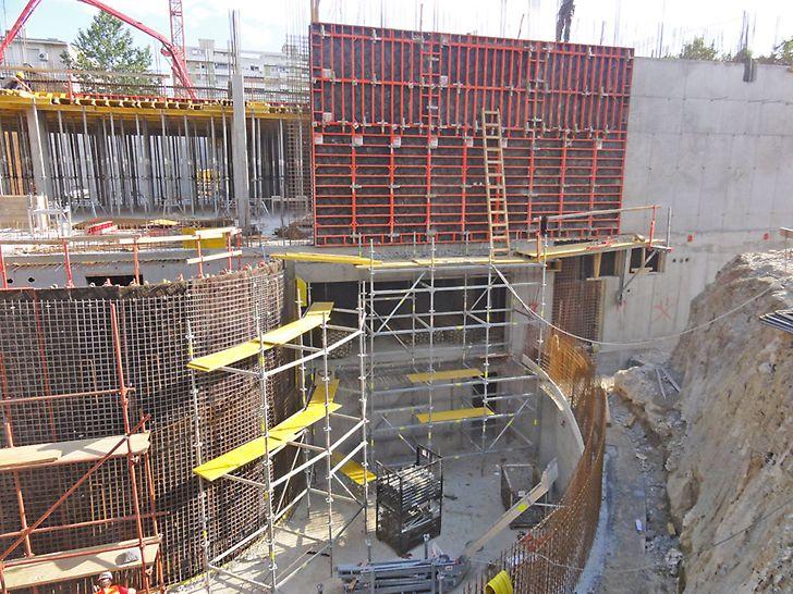 Kombinacija PERI sistema zidne, kružne i stropne oplate kao dosljedno rješenje za zidove i stropove etaža.