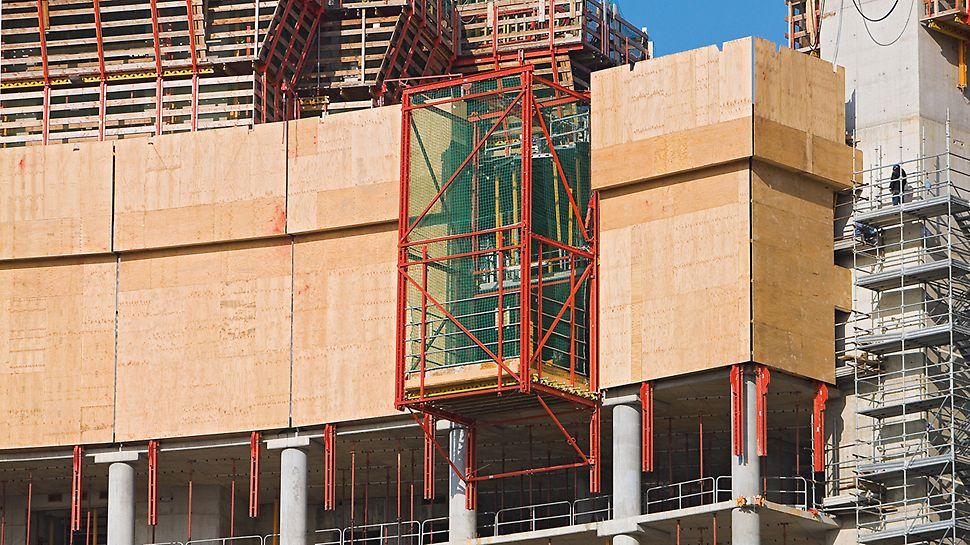 Porta Nuova Garibaldi, Milan, Italy: Ochranná šplhavá stěna RCS sloužila jako opláštění a ochrana proti pádu u nejvyšších právě budovaných podlaží, výtah RCS zajišťoval rychlý transport materiálu bez použití jeřábu.