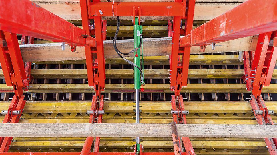 Ein- und ausschalten mittels integrierter Hydraulikzylinder