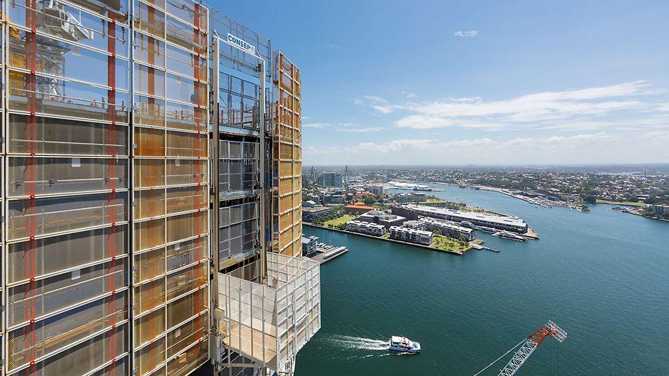 International Towers Sydney ITS, Barangaroo South, Sydney: Každá věž měla v opláštění LPS integrovány dvě posuvné lávky RCS, doplněné ochrannými mřížemi.