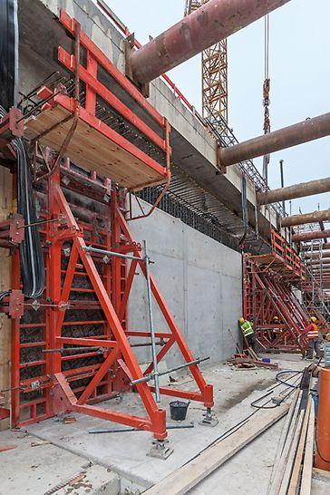 Maßgeschneiderte Projektlösung für die einhäuptige Schalung des U-Bahn-Tunnels U4 in Hamburg