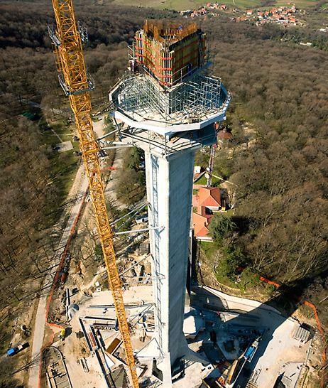 Avala Fernsehturm, Serbien - Die Plattformen in mehr als 100 Metern Höhe bieten den zukünftigen Besuchern eine einzigartige Aussicht.