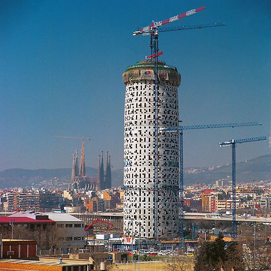 Torre Agbar, Barcelona, Spain -  Thanks to the PERI formwork technology, one complete floor was realized in a regular five-day cycle for the Torre Agbar project.