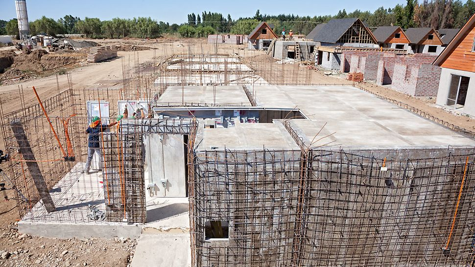 Housing complex Los Portones de Linares, Chile – Forming of walls and slabs including box-outs.