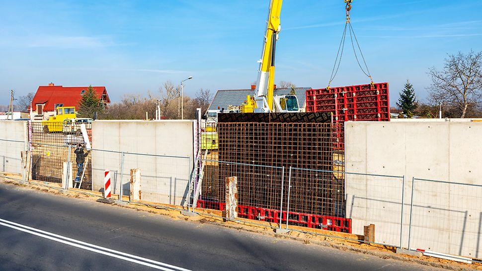 Deskowanie MAXIMO oszczędza czas i pieniądze dzięki nowoczesnemu rozwiązaniu ściągów MX a symetryczny układ otworów odkrywa nowe możliwości w zakresie betonów architektonicznych.