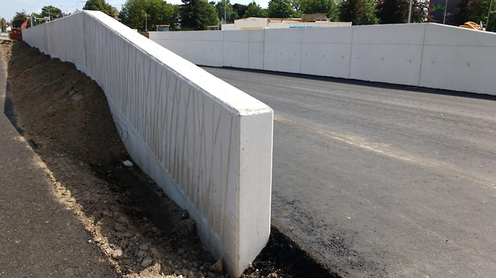"""Rubberen mallen met """"grasmotief"""" zorgen voor grassprieten in het beton, een leuk accent."""