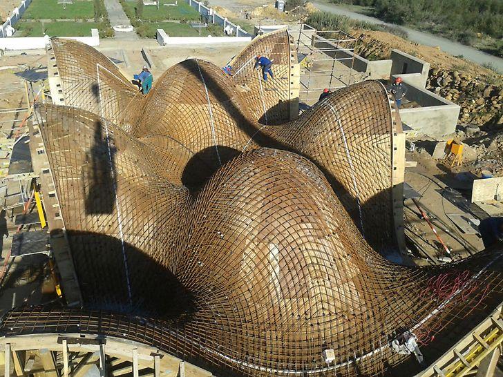 Bosjes Chapel - Auch die Stahlbewehrung der Dachkonstruktion stellt eine Herausforderung dar.