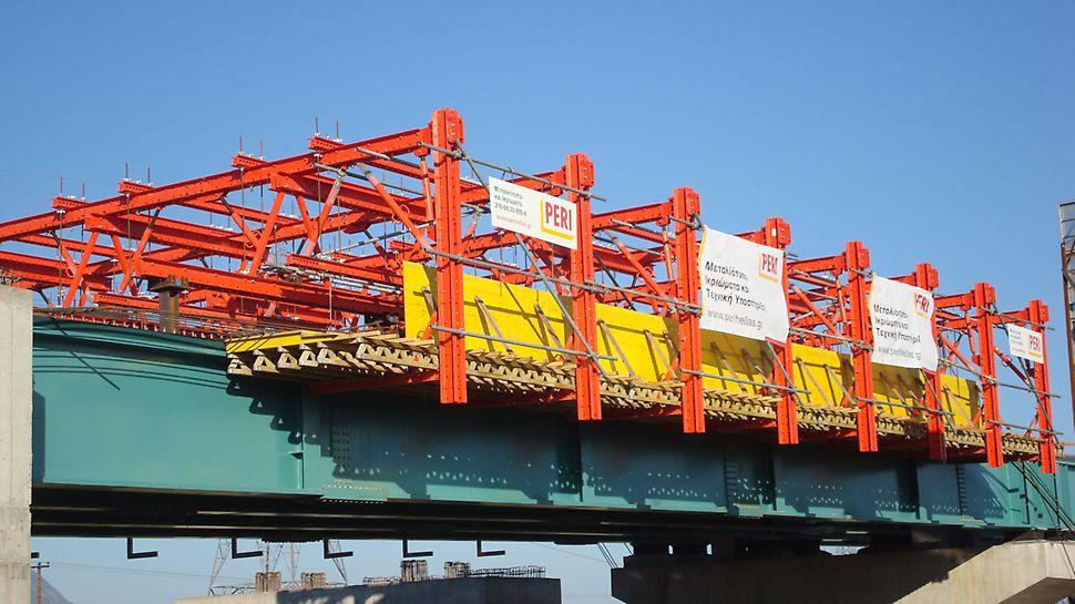 Γέφυρα αυτοκινητοδρόμου στην Λαμία