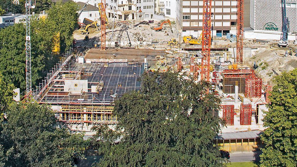 ECE Schlosshöfe, Oldenburg: Schnelle Schalzeiten erreicht – mit eingespieltem Baustellenteam, MAXIMO und SKYDECK