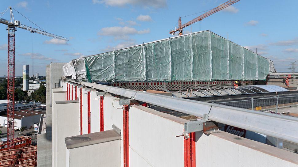 Bild des temporären Schutzdaches das während des Sanierung zum Einsatz kommt.
