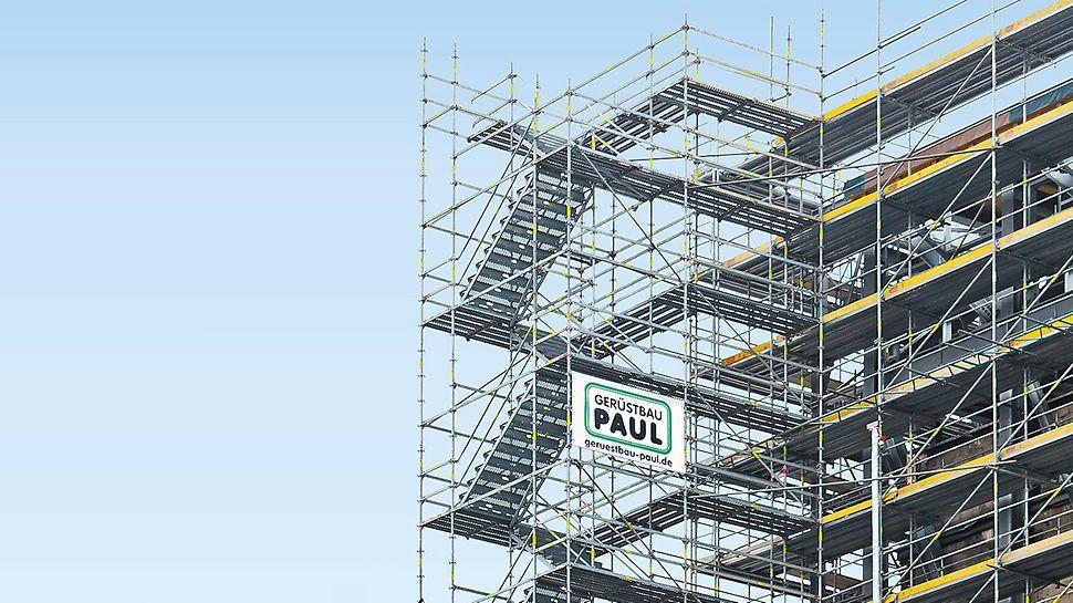 Komfortable Treppenzugänge mit gleich- oder gegenläufigen Treppenstufen lassen sich einfach mit PERI UP Elementen erstellen. Die Einzelteile lassen sich leicht transportieren, die Wangen werden einzeln als geschlossenes Stufenprofil montiert.