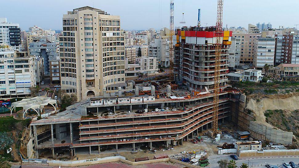 גיאומטריית בניין מאתגרת הן בגרעין והן בהיקף