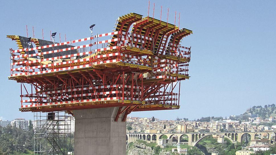 Viaduto Transrhumel - Aspecto final da montagem da Aduela do Pilar P1 - STEP 3 e 4