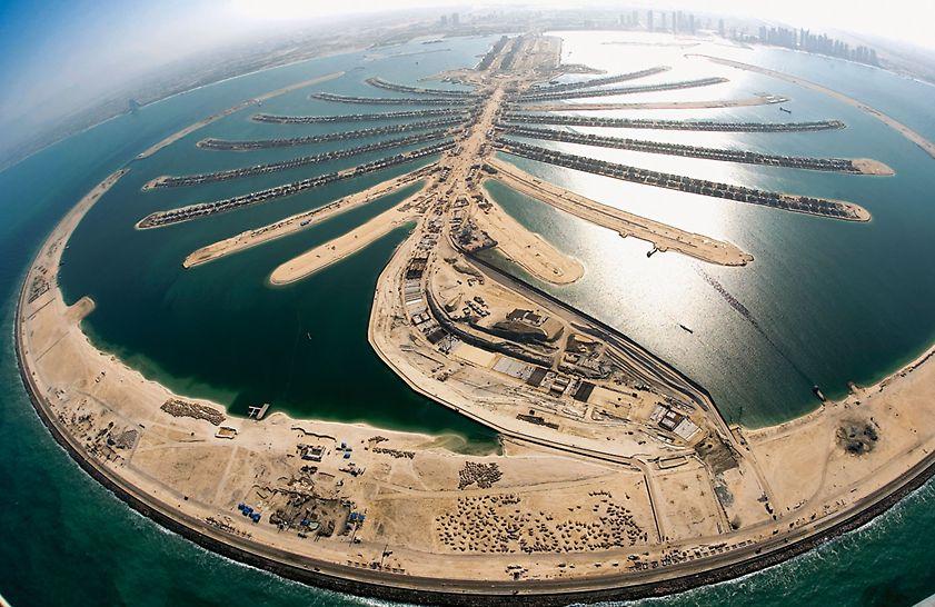 Tunnel Jumeirah Palm Island, Dubai, Vereinigte Arabische Emirate - Der 38 m breite Tunnel verbindet die künstliche Insel Jumeirah Palm Island mit dem äußeren Gürtel.