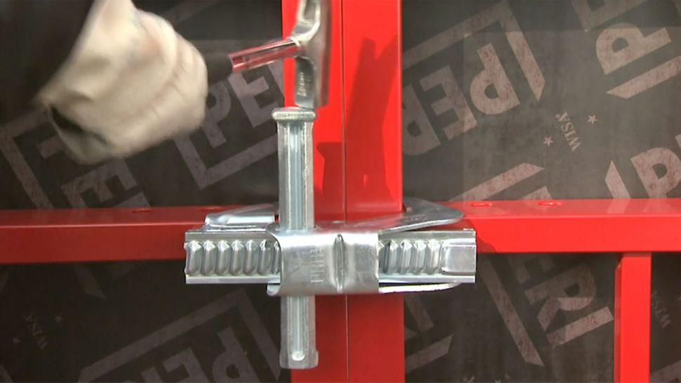 Funkce a výhody stěnového bednění MAXIMO jsou shrnuty ve stručném informačním videoklipu.
